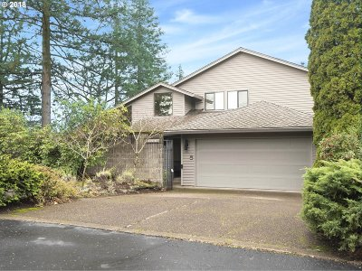 Portland Single Family Home For Sale: 11410 SW Lynnvale Dr