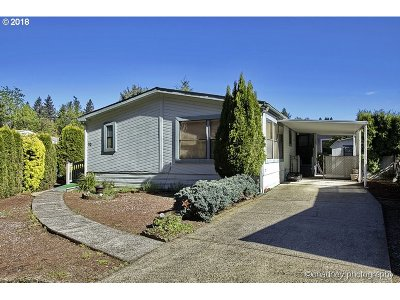 Portland Single Family Home For Sale: 16000 SE Powell Blvd #20