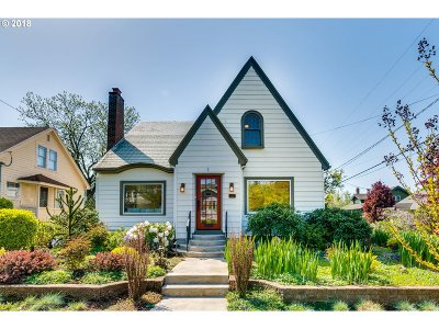 Single Family Home For Sale: 4306 SE Washington St