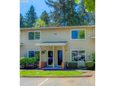 Wilsonville Condo/Townhouse For Sale: 29640 SW Volley St