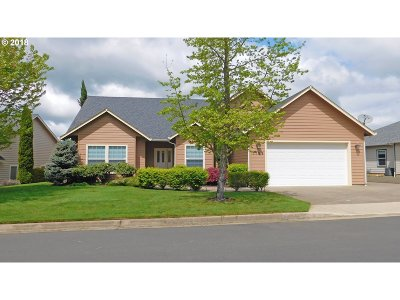 Sutherlin Single Family Home For Sale: 1799 Culver Loop