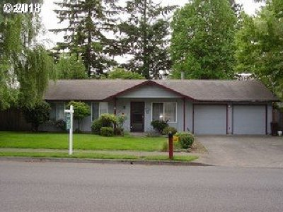 Gresham Single Family Home For Sale: 335 NE Palmblad Dr