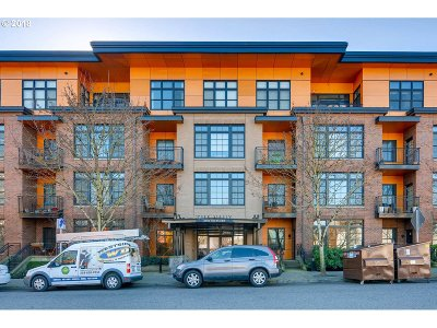 Portland Condo/Townhouse For Sale: 2350 NW Savier St #B320