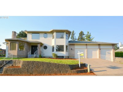 Single Family Home For Sale: 16121 NE San Rafael St