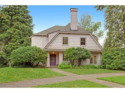 Single Family Home For Sale: 132 NE Laurelhurst Pl