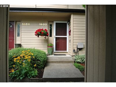 Eugene Condo/Townhouse For Sale: 1602 Fetters Loop