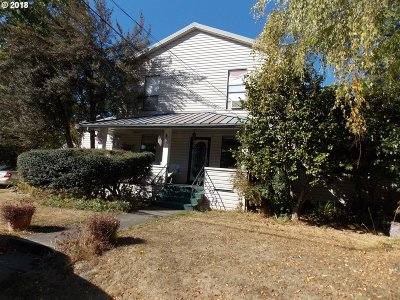 Portland Single Family Home For Sale: 3903 SW Baird St