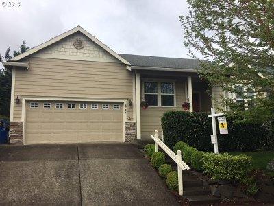 Gresham Single Family Home For Sale: 5784 SE Chase Loop