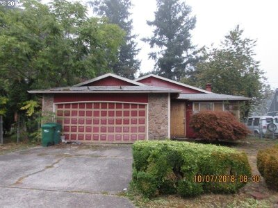 Single Family Home Pending: 13505 SE Harrison Ct