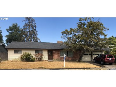 Springfield Single Family Home For Sale: 216 Woodlane Dr