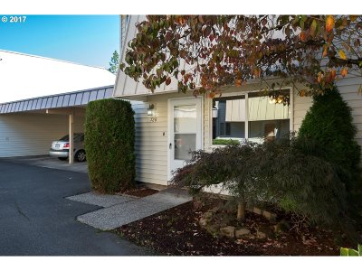 Gresham, Troutdale, Fairview Condo/Townhouse For Sale: 728 SE Rene Ave