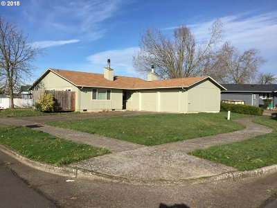 Springfield Multi Family Home For Sale: 520/522 38th Pl