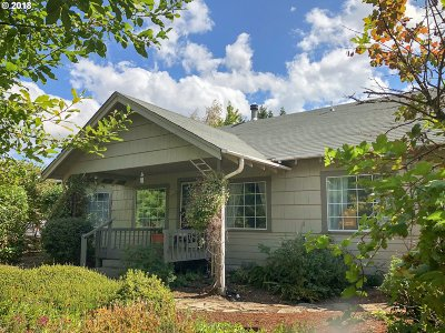 Sutherlin Single Family Home For Sale: 3825 Nonpareil Rd