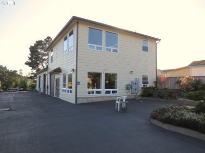 Lincoln City Commercial For Sale: 1424 SE 9th St