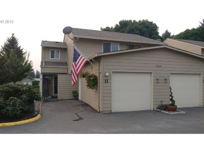 Vancouver Condo/Townhouse For Sale: 8604 NE Mason Dr #11