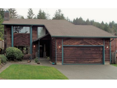 Coos Bay Single Family Home For Sale: 1460 Evergreen Dr