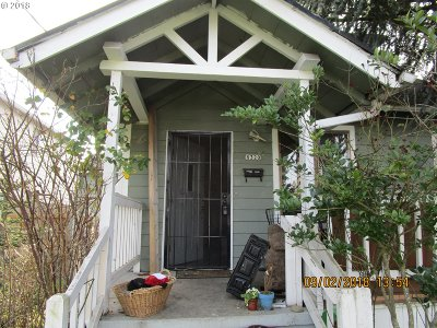Single Family Home Sold: 8320 NE Holladay St