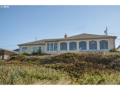 Lincoln City Single Family Home For Sale: 3755 NW Jetty Ave