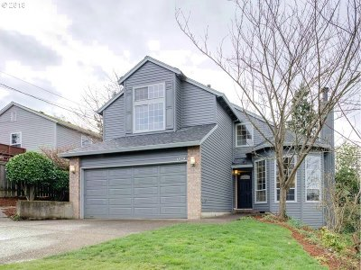 Portland Single Family Home For Sale: 6929 SW 54th Ave