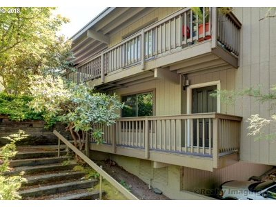Portland Condo/Townhouse For Sale: 7734 SW Barnes Rd #E