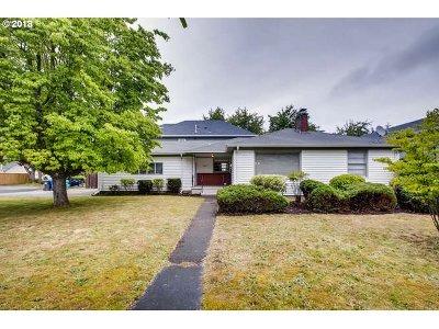 Portland Single Family Home For Sale: 4807 SE Ogden St