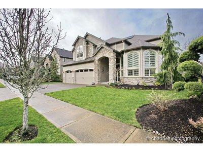 Happy Valley, Clackamas Single Family Home For Sale: 11727 SE Waterleaf Dr
