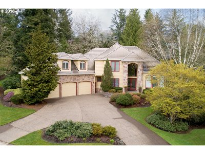 West Linn Single Family Home For Sale: 2040 Tanner Creek Ln