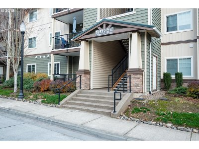 Hillsboro Condo/Townhouse For Sale: 18572 NW Holly St #104