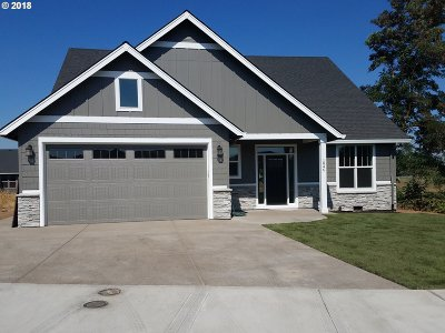 Canby OR Single Family Home For Sale: $499,500