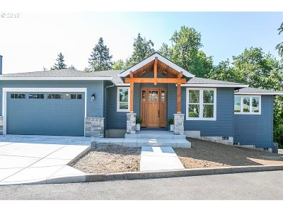 Milwaukie Single Family Home For Sale: 3388 SE Flat Tail Ln