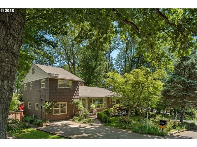 Portland Single Family Home For Sale: 3150 SW Grace Ln
