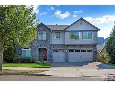 Milwaukie, Clackamas, Happy Valley Single Family Home For Sale: 9340 SE Links Ave