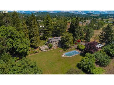 Roseburg Single Family Home For Sale: 514 Candy Ln