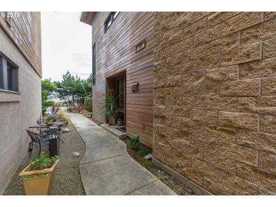 Bandon Single Family Home For Sale: 2757 Colony Cir