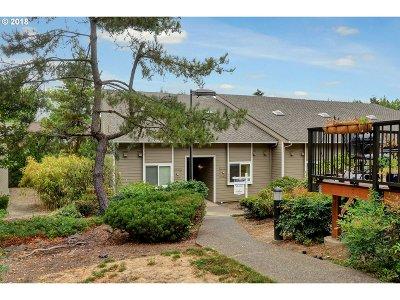 Condo/Townhouse For Sale: 4636 SW Comus Pl S #5-B
