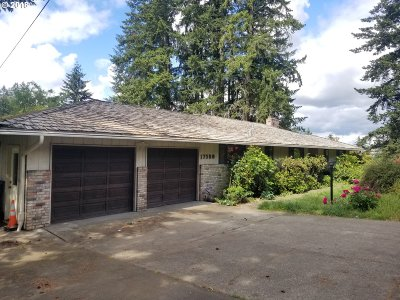 Single Family Home For Sale: 17580 SE Sunnyside Rd