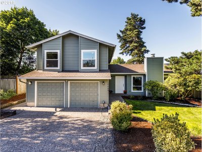 Beaverton Single Family Home For Sale: 15688 NW Melody Ln