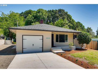 Milwaukie Single Family Home For Sale: 4818 SE Naef Rd