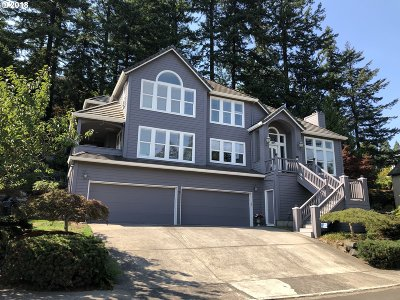 Portland Single Family Home For Sale: 895 SW 67th Pl