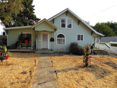Myrtle Creek Single Family Home For Sale: 448 NE Howland St
