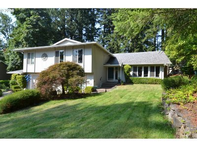 Lake Oswego Single Family Home For Sale: 36 Westridge Dr