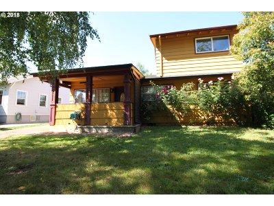 Portland Single Family Home For Sale: 7323 N Willamette Blvd