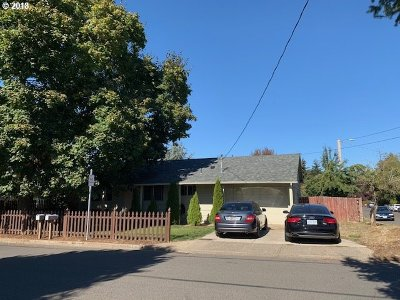 Woodburn Single Family Home For Sale: 363 Bradley St
