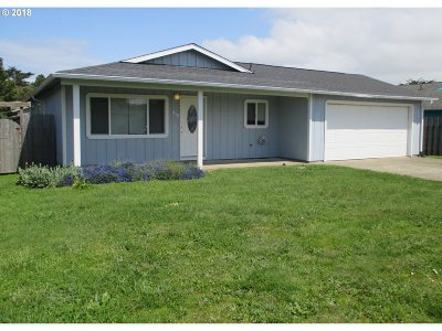 Bandon Single Family Home For Sale: 848 10th St SW