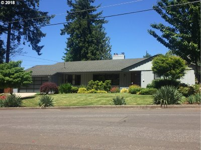 Portland Single Family Home For Sale: 10495 SW Melnore St