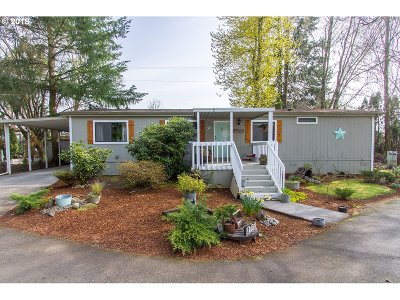 Stayton Single Family Home Sold: 1579 Fern Ridge Rd SE #24