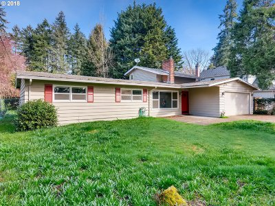 Lake Oswego Single Family Home For Sale: 4391 Upper Dr
