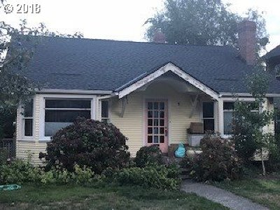 Single Family Home For Sale: 7136 SE 21st Ave