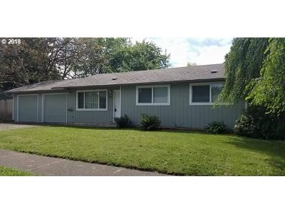 Springfield Single Family Home For Sale: 5367 D St