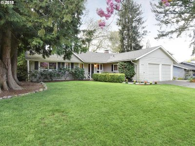 Beaverton Single Family Home For Sale: 5525 SW Chestnut Ave